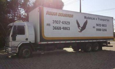 Caminhão com 85 m³