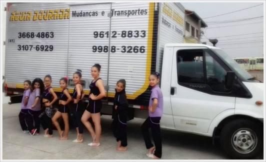 Equipe de Ginástica patrocinada pela Águia Dourada Mudanças